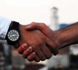 handshake-1513228_1920