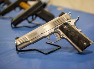 pistol-1350484_1920